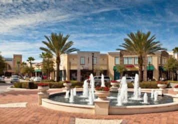 Lakeside-Village-Shopping-Mall-in-Lakeland-Central-Florida